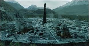 Quel peuple vit dans Isengard ?