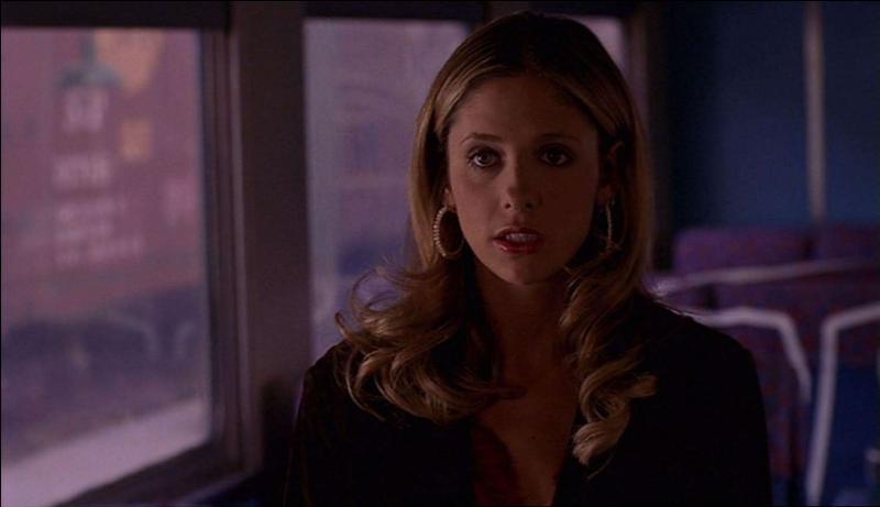 [La Déclaration] Comment réagit Alex quand Buffy lui dit que Spike l'aime ?