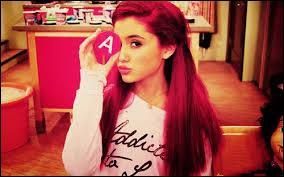La voix d'Ariana couvre :
