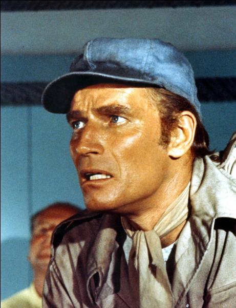 De quelle couleur était le soleil dans un film de 1973 avec Charlton Heston ?