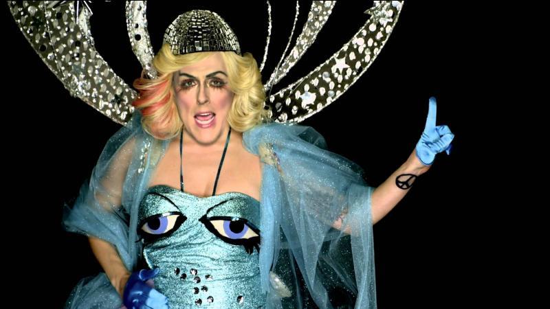 Cette photo est la parodie d'une chanteuse, à qui penses-tu ?