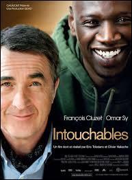 """Le film intitulé """"Intouchables"""" parle d'un riche aristocrate, tétraplégique et d'un jeune de banlieue, ce film a eu un énorme succès, en 2011."""