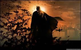 """""""Batman Begins"""" de Christopher Nolan est, par rapport aux """"Batman"""" de Tim Burton, un/une..."""