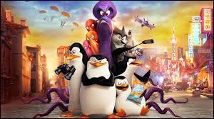 """""""Les Pingouins de Madagascar"""" de Simon J. Smith est, par rapport à """"Madagascar"""" de Eric Darnel, un/une..."""