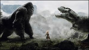 """""""King Kong"""" de Peter Jackson est, par rapport à """"King Kong"""" de Merian C. Cooper, un/une..."""