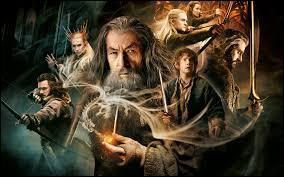"""La trilogie du """"Hobbit"""" de Peter Jackson est, par rapport à la trilogie """"Le Seigneur des anneaux"""" du même Peter Jackson, un/une..."""