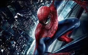 """""""The Amazing Spider-Man"""" de Marc Webb est, par rapport aux """"Spider Man"""" de Sam Raimi, un/une"""