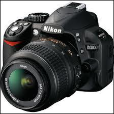 Quelle est la marque de cet appareil photo ?