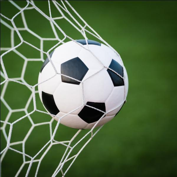 Quelle est la durée d'une mi-temps au football ?