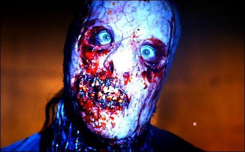 Combien de personnes ont utilisé le masque de Bloody Face ?