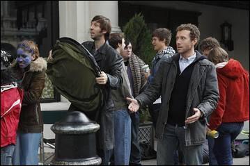 """Quel film veut voir Hodgins, Sweets et Fischer, dans l'épisode 9 saison 5 """"L'écran de la mort"""" ?"""