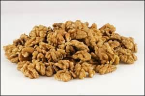 Quels fruits charnus peut-on incorporer au pain précédent pour y ajouter de la finesse et du croquant ?