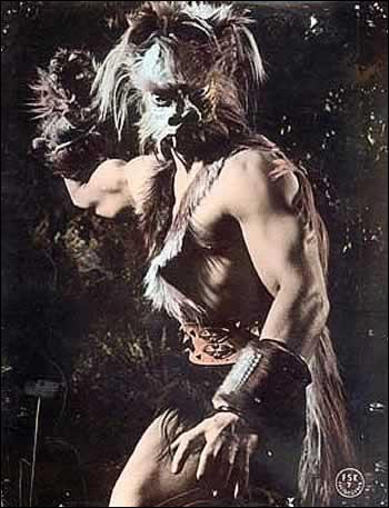 Pendant quel évènement Ulysse se blesse-t-il gravement au genou, pendant son séjour chez son grand-père Autolycos ?
