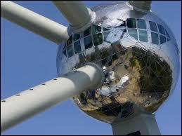Combien l'Atomium compte-t-il de sphères ?