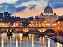 Il est très impoli de faire mon premier. Mon second me désigne. Mon tout est la capitale de l'Italie.