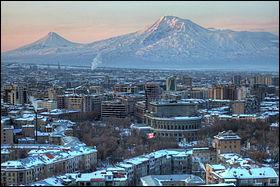 Mon premier est un espace de temps commençant à un moment déterminé. Mon second est une ville turque. Mon tout sert de capitale à l'Arménie.