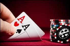 Quel est ce jeu de mises où le bluff et le hasard sont de la partie ?