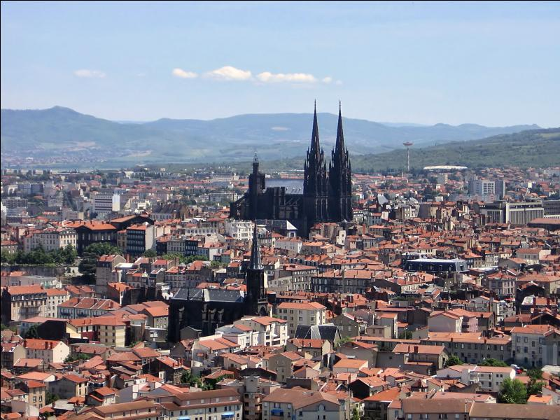Sur une carte de France quelle ville se trouve à l'ouest de Lyon ?