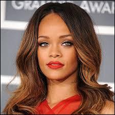Quel est le nom complet de Rihanna ?