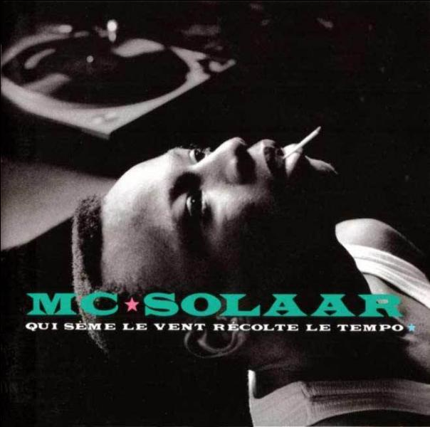 """A qui s'adresse MC Solaar lorsqu'il chante """"Je suis l'as de trèfle qui pique ton coeur..."""" (pensez au jeu de mots ! ) ?"""