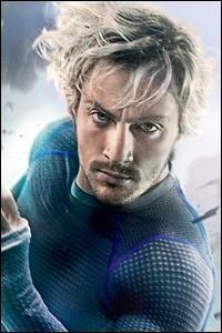 """Celui-ci est un autre habitué des films de super-héros puisqu'il incarnait déjà le très maladroit """"Kick-Ass"""" en 2010. Dans ce film, il interprète Quicksilver. Il s'agit de :"""