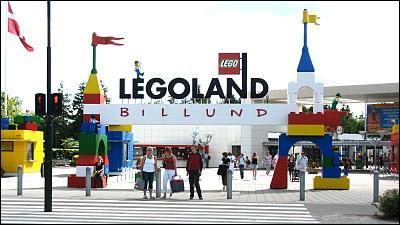 Le parc Legoland de Billund fascine petits et grands grâce au monde recréé avec soixante millions de briques LEGO, dans le plus petit des pays scandinaves, ...