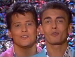 """Comment s'appelle le duo à l'origine de la chanson """"Nuit de folie"""" en 1988 ?"""