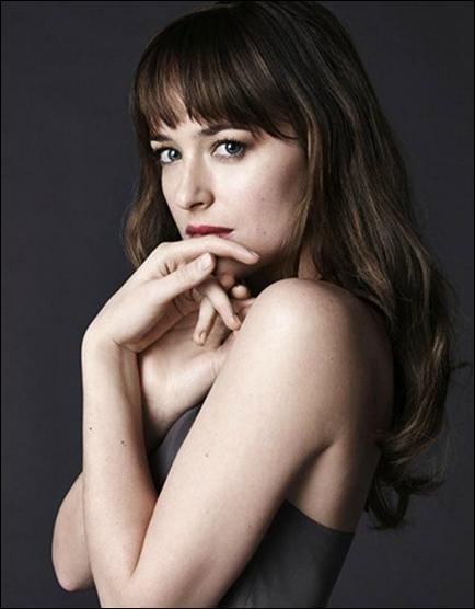 Quel cadeau Monsieur Grey offre-t-il à Mademoiselle Steele ?