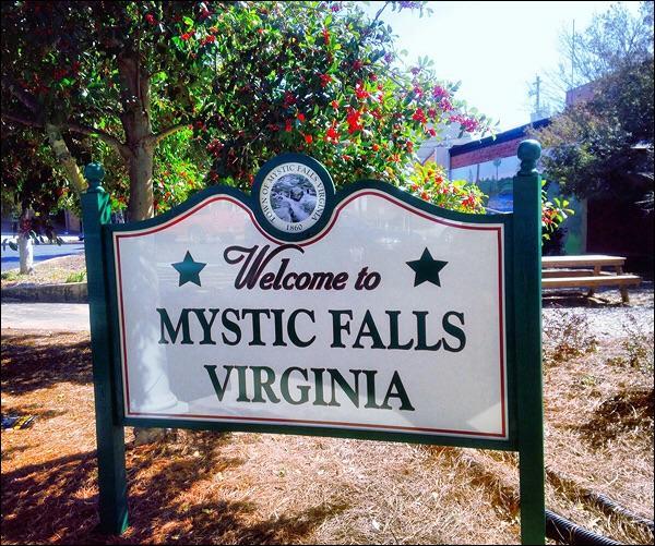 À la fin de la saison 5, un sort est jeté sur Mystic Falls. À quoi sert-il ?