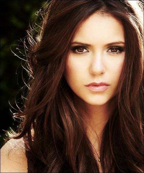 Elena est le double de :
