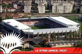 Où se situe exactement le Stade Marcel Picot ?