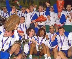 De 1993 à 1996, que était le surnom donné aux joueurs de l'équipe de France de handball ?