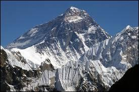 Connaissez-vous l'altitude de l'Everest ?
