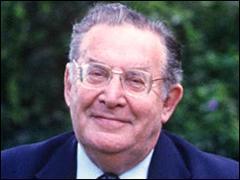 Il s'appelait Léon Zitrone. Né le 25 novembre 1914 à Saint-Pétersbourg il est décédé à Paris le 25 novembre 1995. Quelle émission-jeu de la télévision a-t-il animée en compagnie de Guy Lux, dans les années 60-70 ?