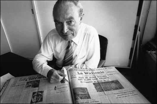 Une question pour nos amis belges. Comment s'appelle le journaliste et syndicaliste, né le 16 janvier 1927 et décédé le jour de son anniversaire en 2011 ?