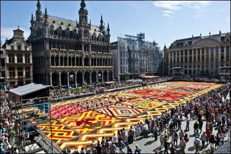 Encore des fleurs sur cette carte ! Cette fois, c'est un tapis fleurs de bégonias qui est présenté au public tous les 2 ans en été sur la Grand-Place de …