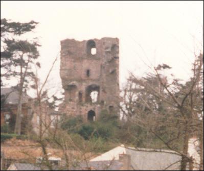La tour de Cesson, site historique et archéologique, domine la baie de cette ville des Côtes d'Armor. Où habitent les Briochins ?