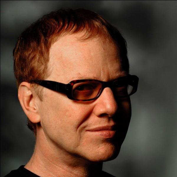 Il a fallu cinq jours à Danny Elfman pour composer le thème musical du générique de la série.