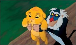 Qui est en train de porter Simba ?