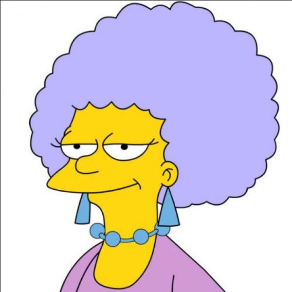 Combien Marge a-t-elle de sœurs ?