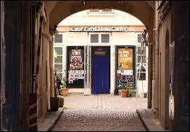 Le Café de la Gare a vu le jour en 1968. Quels ont été les fondateurs de ce café théâtre parisien dont la renommée court encore aujourd'hui ?