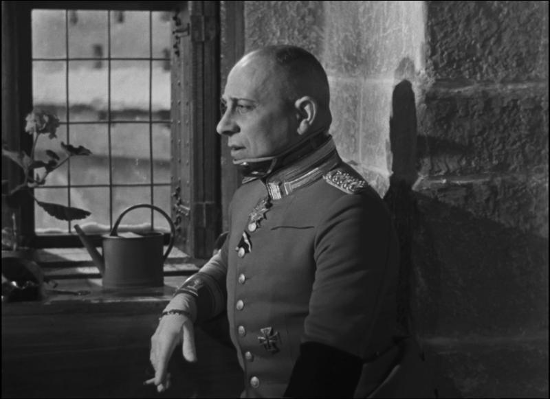 """Quelle fleur cultive le commandant Rauffenstein dans """"La grande illusion"""" ?"""