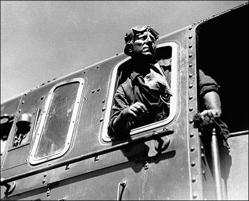"Quel nom porte la locomotive de ""La bête humaine"" ?"