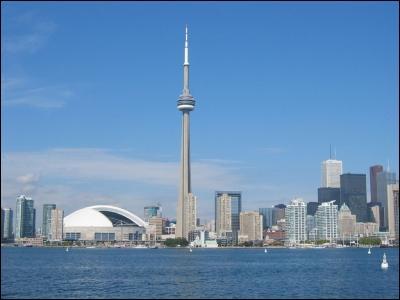 Où se trouve la tour CN ?