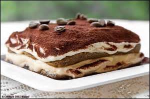 Le tiramisu est un dessert d'origine italienne à base de :