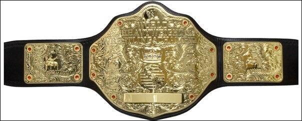 """Qui détient le règne le plus court avec le titre de """"WWE World Heavyweight Championship"""" ?"""