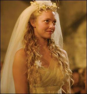"Dans le film ""Mamma Mia"" quel est le nom de la fille qui va se marier ?"