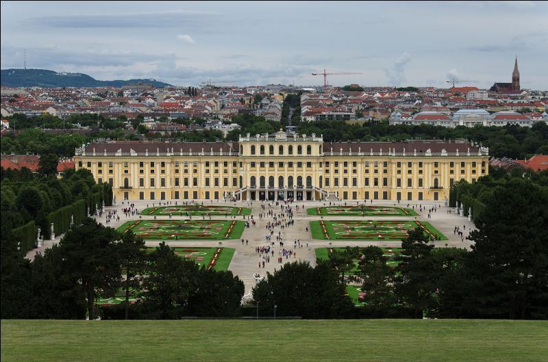 Capitale de l'Autriche, cette ville est aussi un land. L'Autriche en compte neuf. Quelle est cette ville traversée par le Danube ?