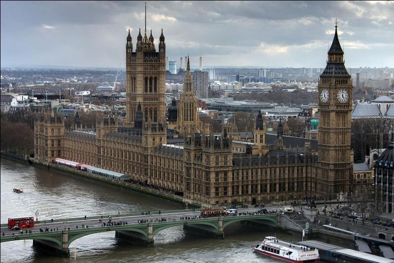Le Royaume-Uni rejoint les pays fondateurs de l'Union européenne le 1er janvier 1973. Sa capitale est le siège du Commonwealth. Métropole de premier plan grâce à sa place de premier centre financier mondial, c'est...