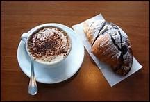 Prenez-le au bar, c'est incontournable ! Que mangent les italiens pour le petit déjeuner, très simplement, car ils préfèrent se réserver pour des repas plus copieux en journée ?